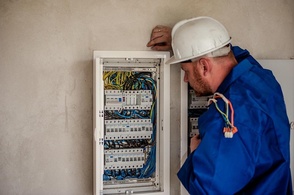 Quand faire appel à un électricien ? Pour quels travaux ?