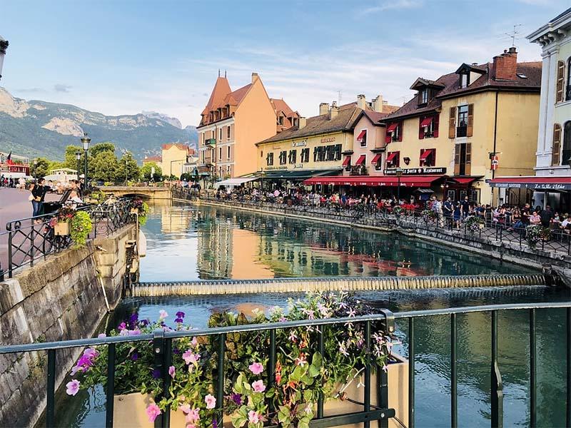 Pourquoi faire du vélo dans la région d'Annecy ?