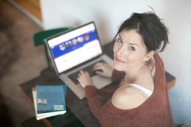 Rencontre en ligne : quels sont les avantages ?