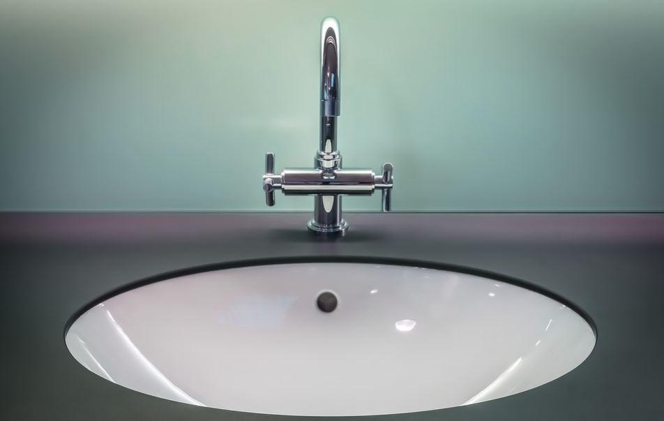 Conseils pratiques pour bien choisir un robinet de salle de bains