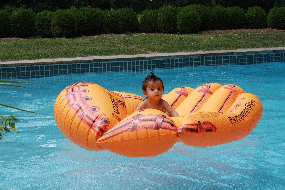 Pourquoi équiper sa maison d'une piscine gonflable ?